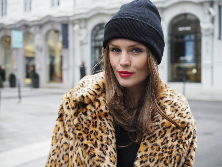 Modeblogger Hamburg, Fashionblogger, Fashionblogger Hamburg, Beautyblogger Hamburg, Beautyblogger, Beauty, Travelblogger, Travel, Hamburg, Leo Look, Trend Leo, Rote Boots, Scotch&Soda, Hallhuber, Leo Mantel, Leo Print