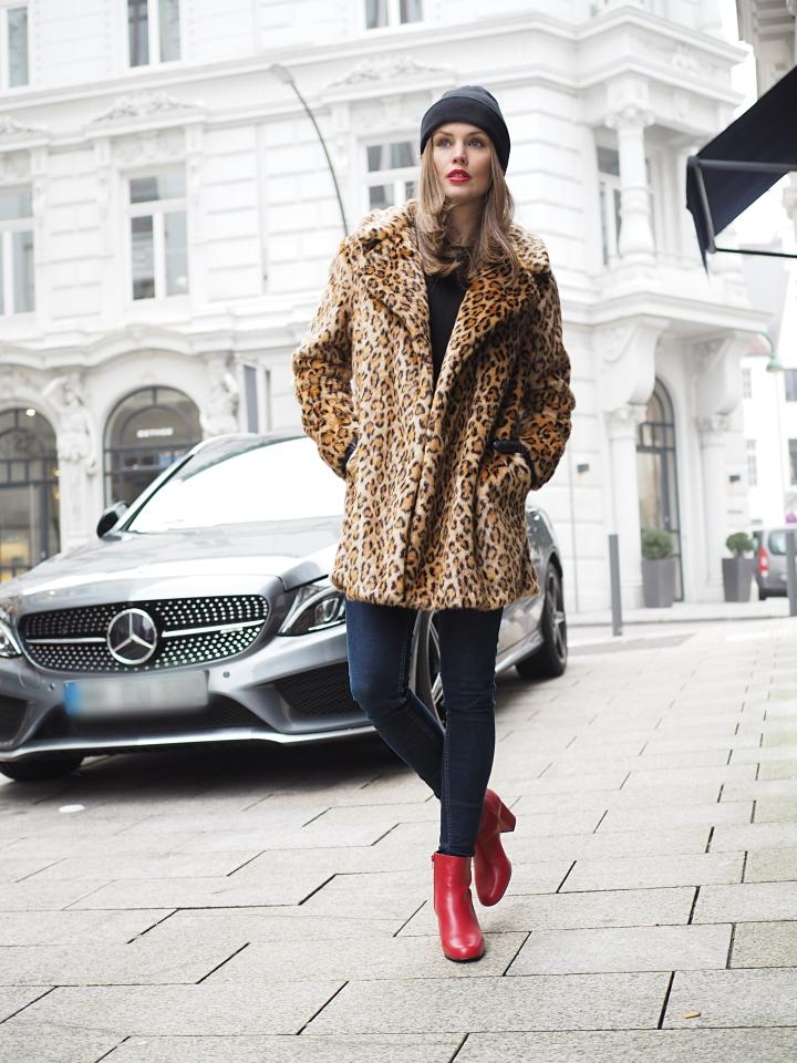 Modeblogger Hamburg, Fashionblogger, Fashionblogger Hamburg, Beautyblogger Hamburg, Beautyblogger, Beauty, Travelblogger, Travel, Hamburg, Leo Look, Trend Leo, Rote Boots, rote Stiefelette, rote Leder-Stiefelette, Scotch&Soda, Hallhuber, Leo Mantel, Leo Print, Animal Print, Fashionweek Trend