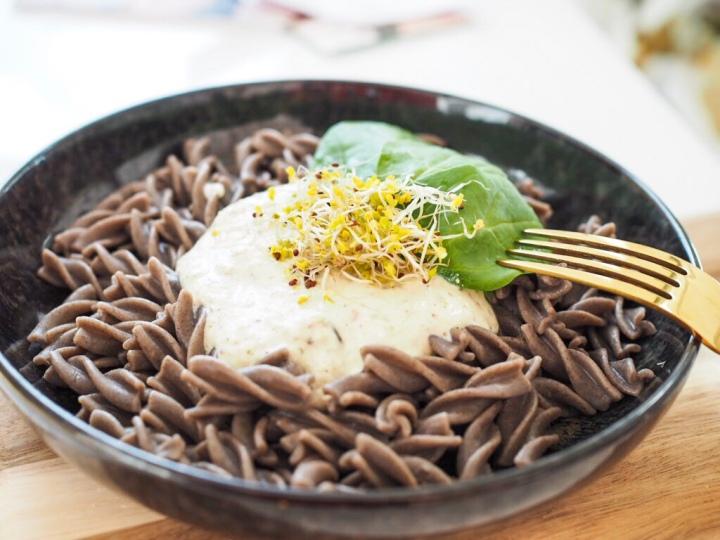 Basisch Lunchen: Buchweizen Pasta mit Cashew-Trüffel Creme (vegan +glutenfrei)